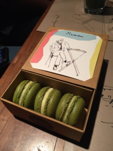 Macaroon to go box!